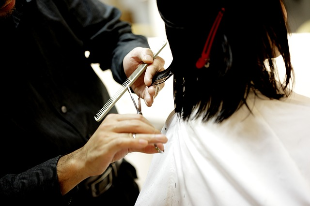 Being a hairstylist can lead to hand arthritis