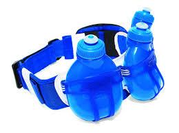 la ceinture d'eau au bas du dos est un moyen mains libres de transporter de l'eau pendant votre course